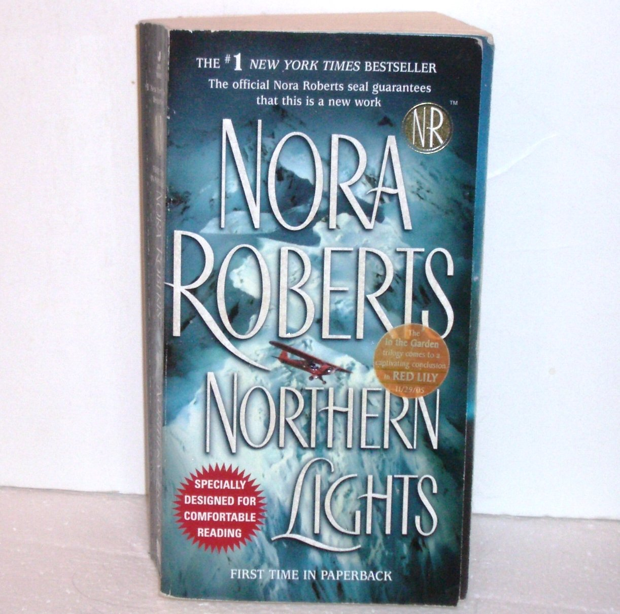 Northern Lights by Nora Roberts Oversized Romantic Suspense 2005