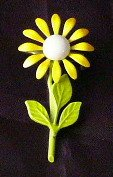 Yellow Petals  enamel   Flower pin Vintage