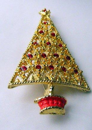 Retro  Christmas Tree Pin Goldtone Red openwork
