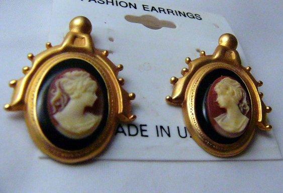 Retro look Pony Tail Girl Cameo dangle Pierced  Earrings