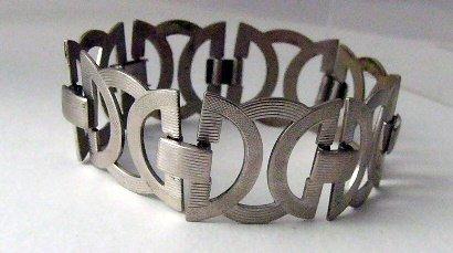 Modern Open Link Circle metal Bracelet