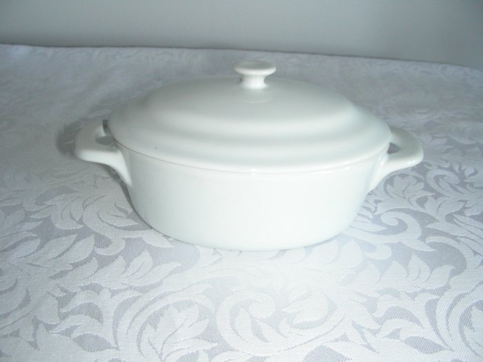 MINI OVAL CASSEROLE WHITE STONEWARE FIRED 1250F NEW BOX