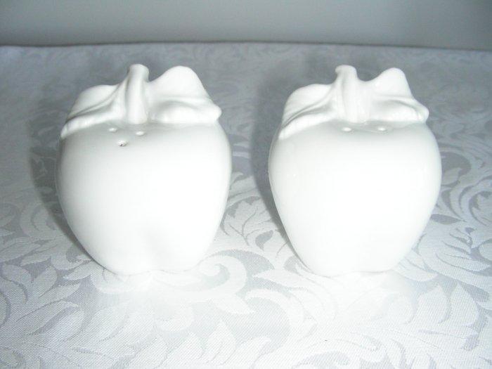 SALT AND PEPPER WHITE SET OF 2 DURABLE PORCELAIN NEW BOX