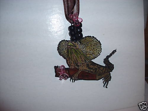 FRILLED LIZARD HANDPAINTED  WIRE WRAPPED NECKLACE