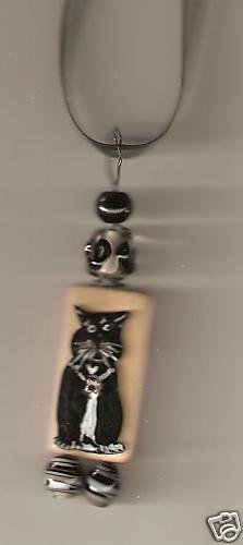 CAT TUXEDO WIRE AND BEADS NECKLACE HANDPAINTED FUNKEY