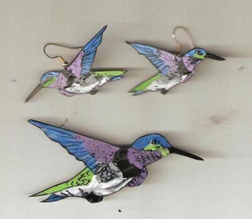 HUMMINGBIRDS  EARRINGS AND PIN SET GARDEN BIRDS AVIAN