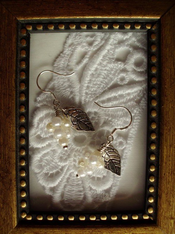 White Pearl Grape Silver Tone Earrings, Free Ship!