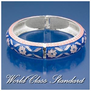 Jacques Rennes Lacoste fashion bracelet with blue, peach details and silver-moda design.