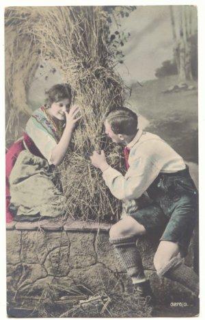 ROMANTIC DUTCH COUPLE PLAYING HIDE AND SEEK Vintage POSTCARD   48
