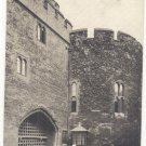 BLACK & WHITE   TOWER OF LONDON, BLOODY TOWER, VINTAGE POSTCARD    #207