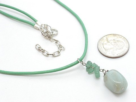 LIGHT OLIVE GREEN SIMULATED JADE NATURAL STONE BEAD NECKLACE NECKLACE
