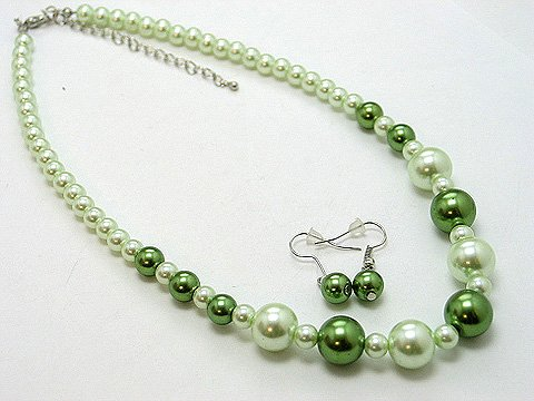 SINGLE STRAND LIGHT OLIVE GREEN FAUX PEARL GLASS BEAD NECKLACE SET