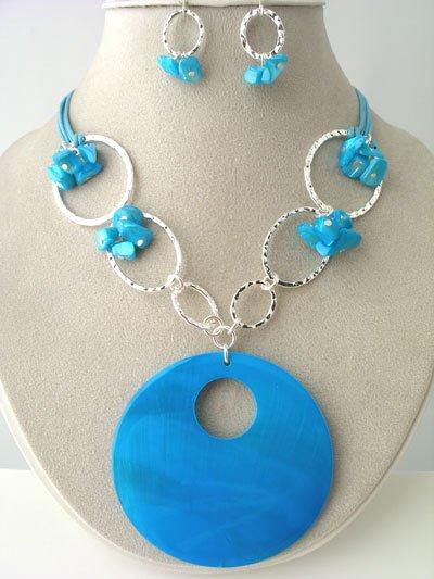 CHUNKY BLUE TURQUOISE AQUA SHELL SEED BEAD NECKLACE SET