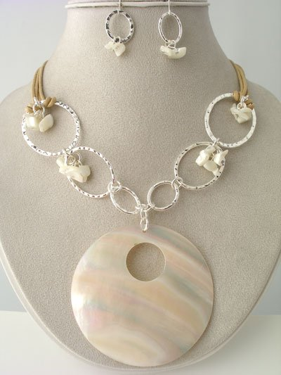 CHUNKY NATURAL CREAM CREME OFF WHITE SHELL SEED BEAD NECKLACE SET