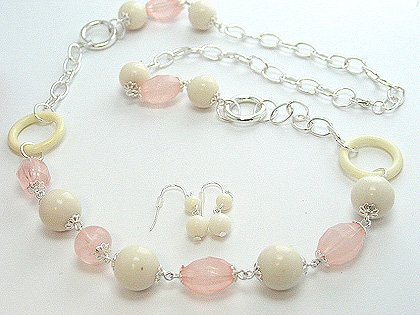 LONG PINK WHITE CREAM LUCITE BEAD NECKLACE SET