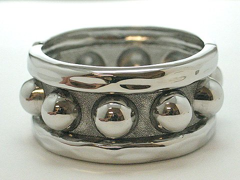 METAL HINGE BANGLE BRACELET