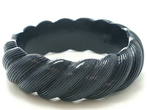 NAVY BLUE BAKELITE STYLE BANGLE BRACELET