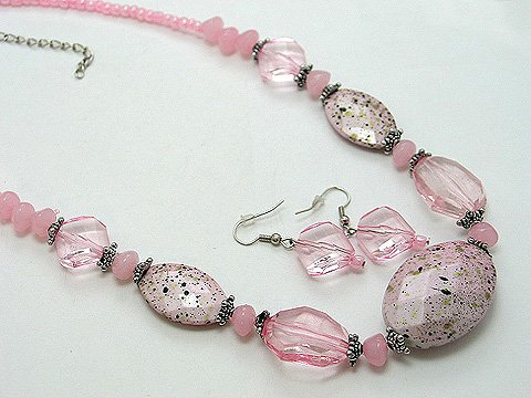 CHUNKY PATINA PINK LUCITE BEAD NECKLACE SET