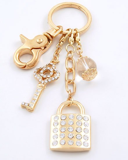 HOT GOLD TONE  LOCK AND KEY 60 CRYSTAL KEYCHAIN