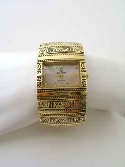 HOT GOLD TONE  TEXTURED CUFF BANGLE WATCH