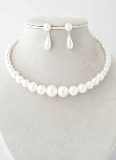 WHITE FAUX PEARL GRADUATED CHOKER NECKLACE SET