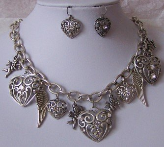 RELIGIOUS CHRISTIAN ANGEL WING HEART LOVE NECKLACE SET