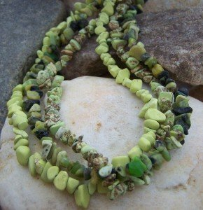 NEW GREEN WESTERN NATURAL STONE NUGGET NECKLACE SET