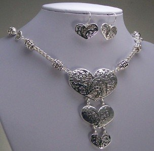HAMMERED HEART LOVE VALENTINES DAY NECKLACE SET