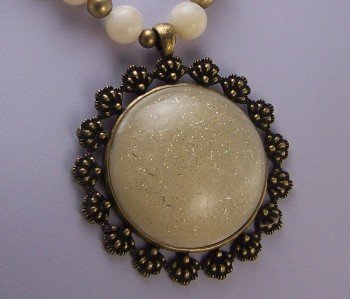 CHUNKY BEIGE OFF WHITE CIRCLE STATEMENT NECKLACE