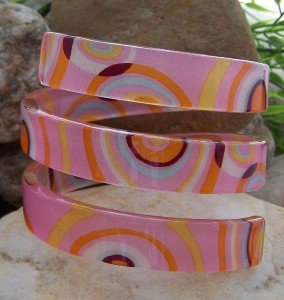 NEW HOT TRENDY CHIC PINK MULTI COLOR SPIRAL BANGLE