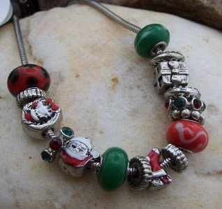 NEW EUROPEAN STYLE CHRISTMAS SANTA CHARM NECKLACE SET