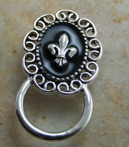NEW FRENCH FLEUR DE LIS ID EYE GLASS HOLDER BROOCH