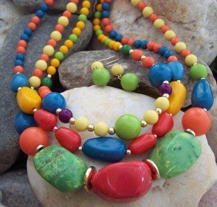 NEW CHUNKY MULTI RED GREEN BLUE YELLOW NECKLACE SET
