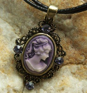 NEW PURPLE ANTIQUE LOOK LADY CAMEO CRYSTAL NECKLACE