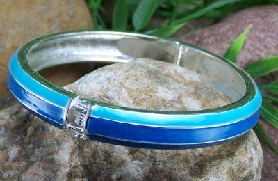 NEW  BLUE ENAMEL HINGE BANGLE BRACELET