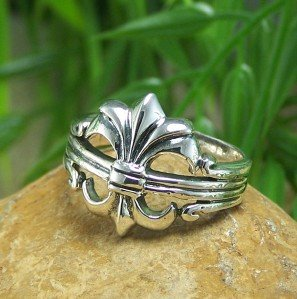 NEW STERLING SILVER FRENCH FLEUR DE LIS RING SIZE 8