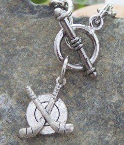 NEW SILVER TONE HOCKEY PUCK SPORTS FAN TOGGLE NECKLACE
