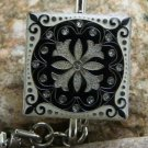 ANTIQUE LOOK VINTAGE STYLE BLACK FLEUR KEYCHAIN FINDER