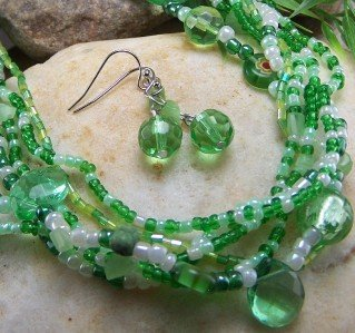 NEW GREEN WHITE GLASS MULTISTRAND NECKLACE SET