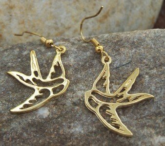 NEW GOLD TONE TATTOO BIRD SWALLOW DOVE ANIMAL EARRINGS