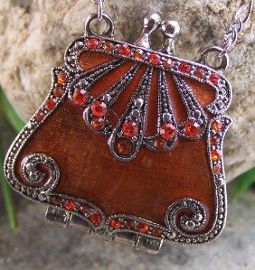 NEW ANTIQUE STYLE BROWN CRYSTAL PURSE LOCKET NECKLACE