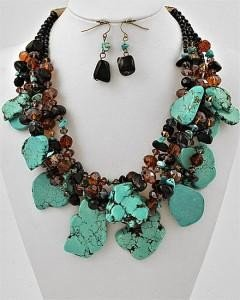 CHUNKY SEMIPRECIOUS SEMI PRECIOUS BLUE WESTERN TURQUIOSE COWGIRL GLASS NECKLACE SET