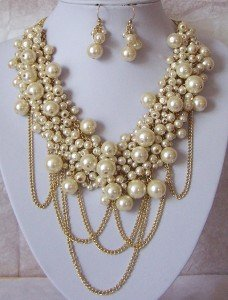 BEIGE CREAM OFF WHITE FAUX PEARL NECKLACE SET