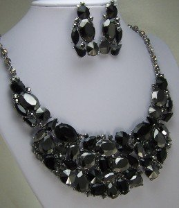 JET BLACK BIB BRIDAL NECKLACE SET