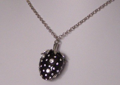 BLACK STRAWBERRY CLEAR CRYSTAL CHARM NECKLACE