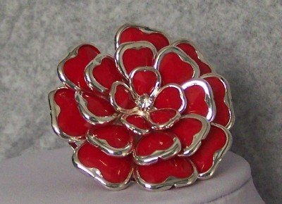 RED SIAM CHUNKY FLOWER FLORAL COCKTAIL RING