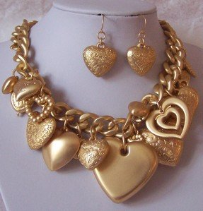 GOLD TONE CHUNKY VALENTINES DAY LAYERED HEART LOVE NECKLACE SET