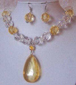 YELLOW CITRINE CLEAR LUCITE NECKLACE SET