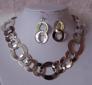SILVER P CIRCLE RING HOOP NECKLACE SET