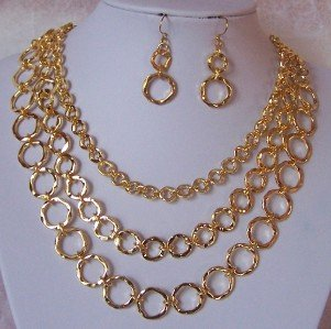 GOLD P MULTISTRAND CIRCLE RING HOOP NECKLACE SET